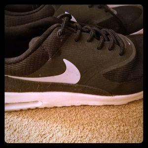 Black Nike Air Maxx